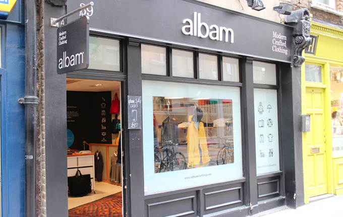 Everypeoples Guide Albam Monmouth Street